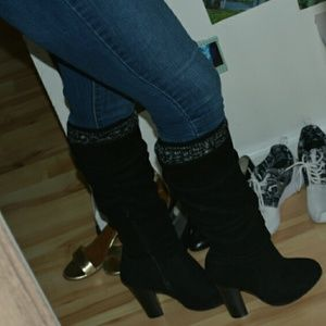 🌸 NWOT Knee-High Black Sweater Boots 🌸